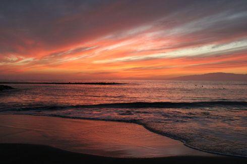 Sunset, Fanabe Beach, Tenerife -- by Tony Hisgett